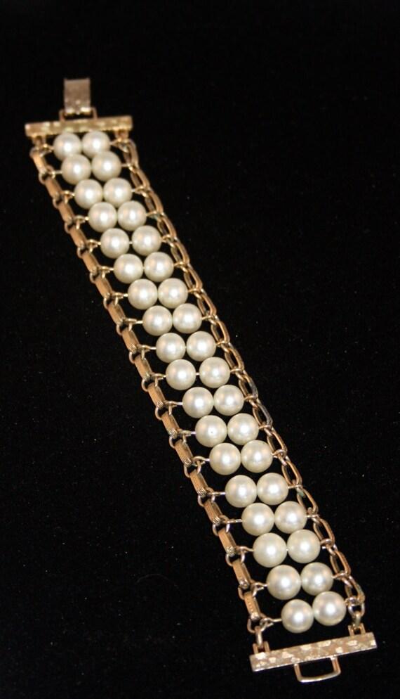 Pearl Flattery bracelet #9936 Sarah Coventry