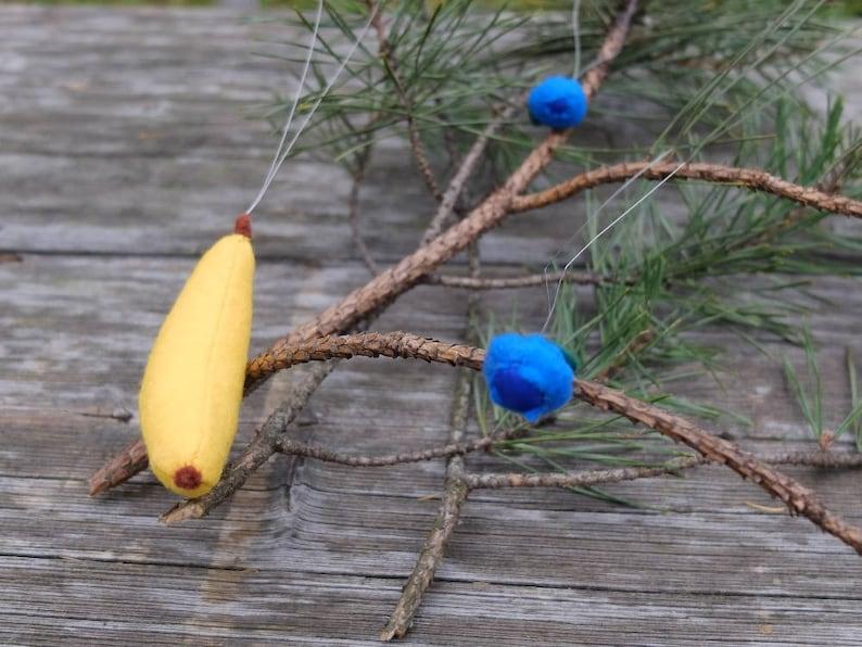Xmas Tree Ornament Felt Banana with Hanging String Fruit Ornament Christmas Decoration Holiday Season Celebrate Holidays Christmas Gift