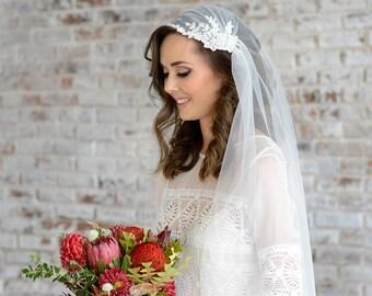 Juliet Cap Veil with appliques, bohemian boho style wedding veil, 1920s inspired wedding veil with lace appliques, vintage style bridal veil