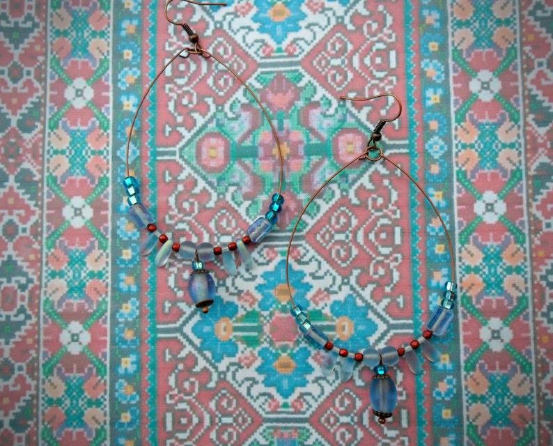 ethno gypsy earrings, blue and copper beads hoop earrings festival earrings tribal Large boho earrings copper tone memory wire hippy