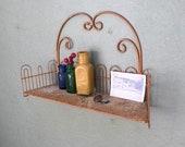 Vintage Rusty White Metal Wire Hanging Shelf Planter Retro Cottage Chic Room Decor Bathroom Organizer Indoor Flower Plant Stand