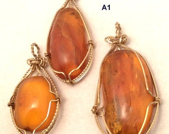 Baltic Insect  Amber Pendant. 10K Gold Wire Wrapped. Vintage. free US ship