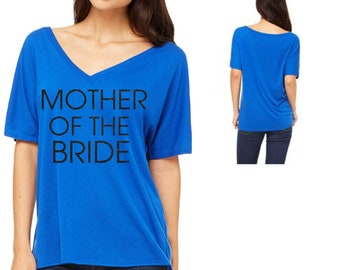 Mother of the Bride shirt . Mom gift . Brides mom shirt . Gift for mom. Mother of the groom, bride . Getting ready shirts . Bridal shirts.