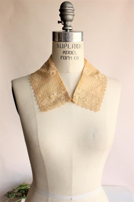 Vintage 1920s Collar / Beige Lace Detachable Blous