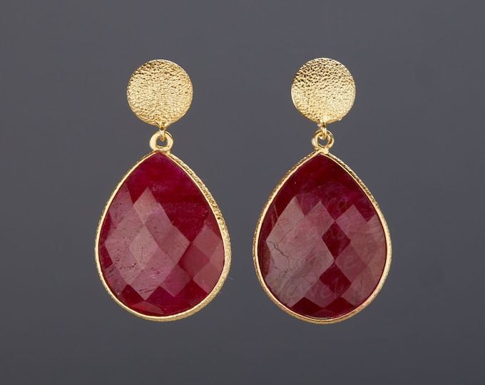 Large ruby earrings in gold,Two gemstone earring,teardrop earrings,Large faceted ruby earring,birthday gift,mother gift,custom note card