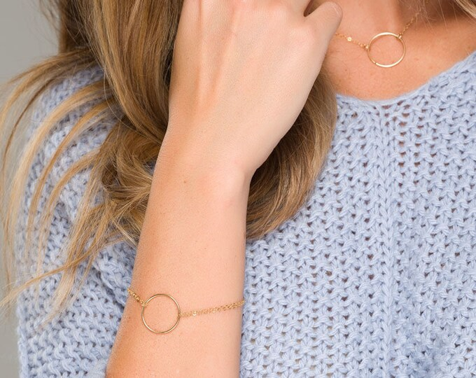 Dainty karma bracelet, Circle Charm Bracelet, Layering Bracelet •sister gifts, gift for mom,best friend gifts,Friendship Gift