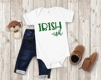 Personalised Baby/'s 1st St Patrick/'s Day Bavoir bébé-irlandais LEPRECHAUN Paddys