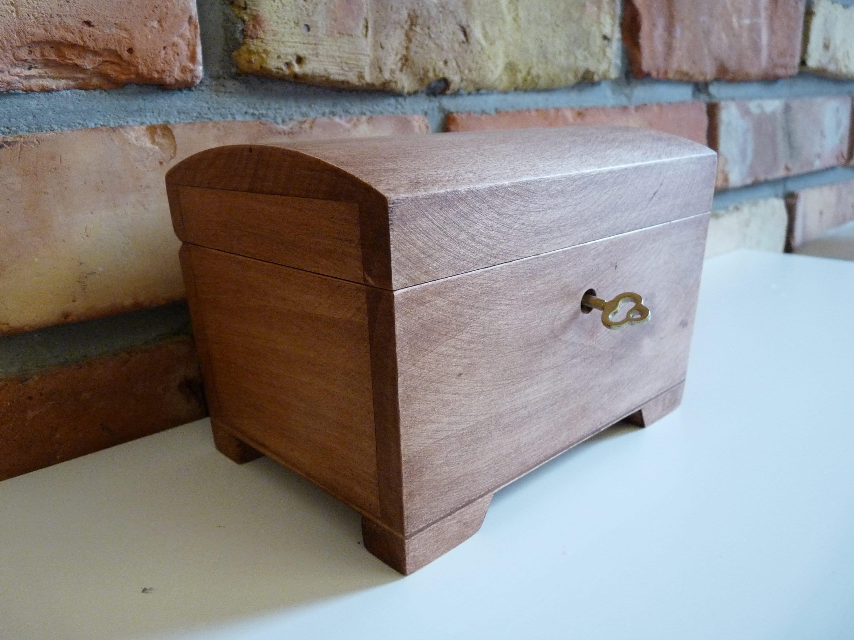 #1 Wooden Box,Storage Box Vintage Style Wooden Box Jewelry Box Display Decoration Wood Storage Box Storage Box with Locking Clasp Storage Keepsake Box