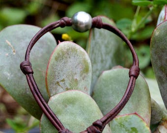 Tahitian pearl, man bracelet, hand rolled leather, tahitian pearl as clasp