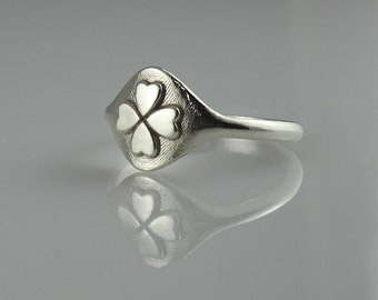 Ring for Women, Signet Ring, White Gold Signet Ring, Seal Ring, Pinky Ring, Good Luck Ring, 4 Leaf Clover Ring, Unique 14k Gold Signet Ring