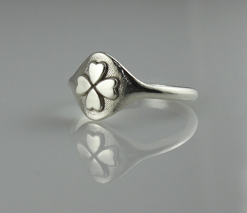 Clover Ring Silver Signet Ring Ring for Women Signet Ring image 0
