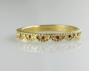 Crown Vintage Ring , Vintage Wedding Ring , Red Ruby Ring , Antique Wedding Band , Crown Eternity Ring , Stacking Ring , Gifts for Her