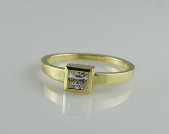 Unique Engagement Band, Gold Square Stone Ring, Natural Diamond Ring, Natural Diamond Engagement Ring, Promise Ring for Her, Solitaire Ring