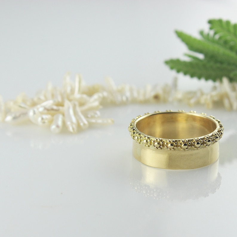 Crown Wedding Ring  Flowers Wedding Band  Queen Ring  image 0