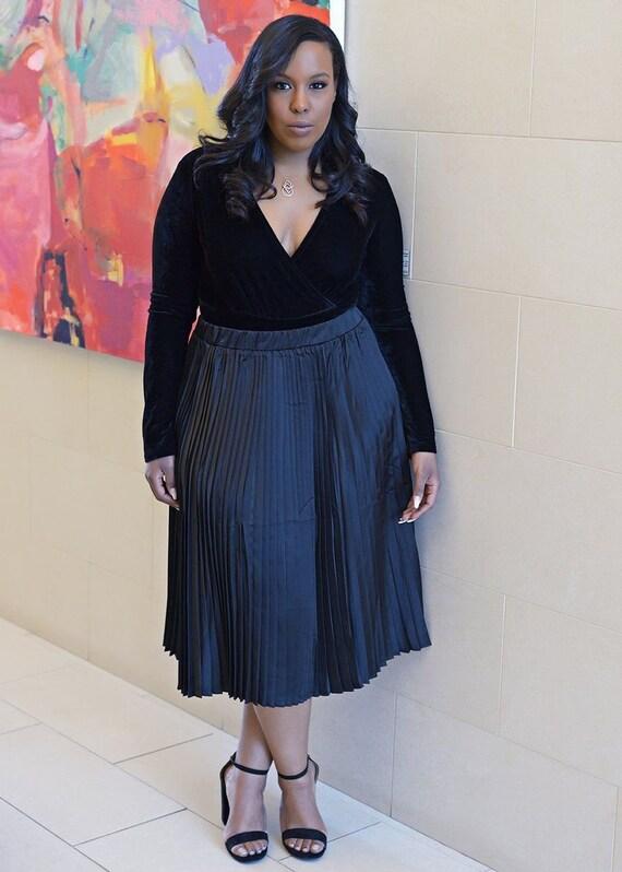 f51f49f8fe1 D iyanu Funmi Chic Pleated African Print Satin Midi Skirt
