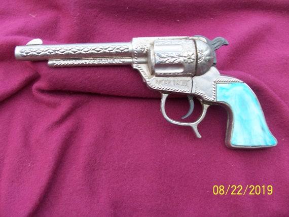 BUCK'N BRONC CAP gun