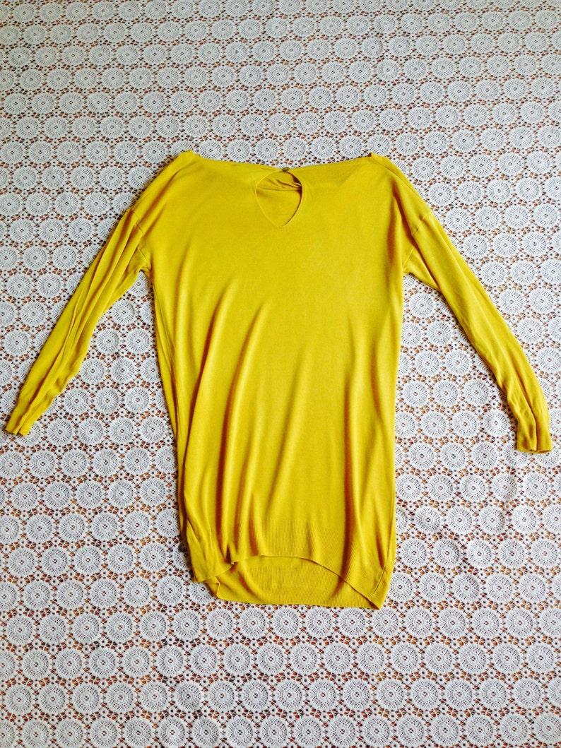 honey blousemustard blouseminimalist blouseminimallongline blousekeyhole blouse60/'s stylesisley blousebasics90/'s blousesm