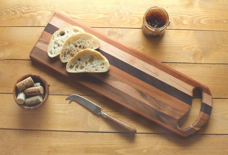 Handmade Housewarming Wedding Gift Hardwood Serving Board Mixed Hardwood Cutting Board with Handle Stripe Cheese Board with Hand Hole