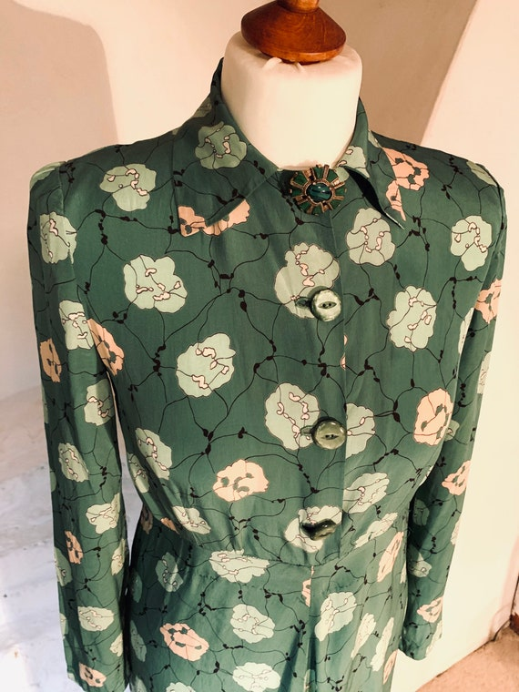 1930s/40s fine rayon green patterned dress