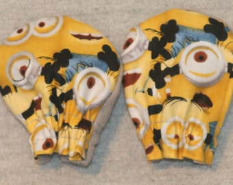 Despicable Me Loads of Minions Light Weight baby No-Scratch Mittens **FREE Domestic SHIPPING""
