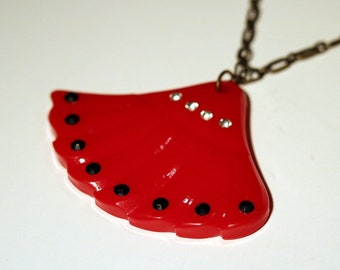 Red Resin Fan Necklace