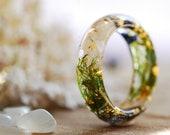 White Moonstone Ring, Raw Stone Ring, June Birthstone Ring, Flower Resin Ring, Gemstone Boho Ring, Moonstone Jewelry, Anniversary Ring