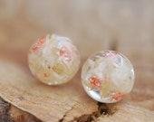 Botanical Gift, White Flower Earrings, Pressed Flower Earrings, Natural Jewelry, Floral Earrings, White Resin Studs, Wedding Earrings