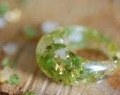 Raw Peridot Ring, Green Ring, Terrarium Resin Ring, Gemstone Ring, Gold 24K Citrine Crystal Ring, Bohemian Ring, August Birthstone Ring
