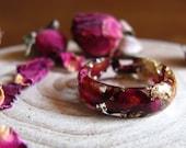 Rose Flower Ring, Nature Resin Ring, Pink Petal Rose Ring, Resin Flower Jewelry, Romantic ring, Gold Rose engagement ring, Christmas gift