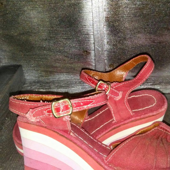 f2e157136d12 Vintage 70s 80s Retro Red Canvas Ankle Strap Wedge Sandal With