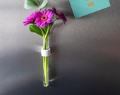 "Magnetic vase ""ring"""