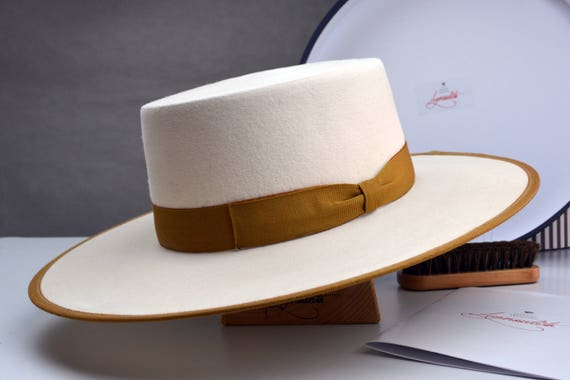 Bolero Hat The TOWER Off White Fur Felt Flat Crown Wide  990fe11b9f92