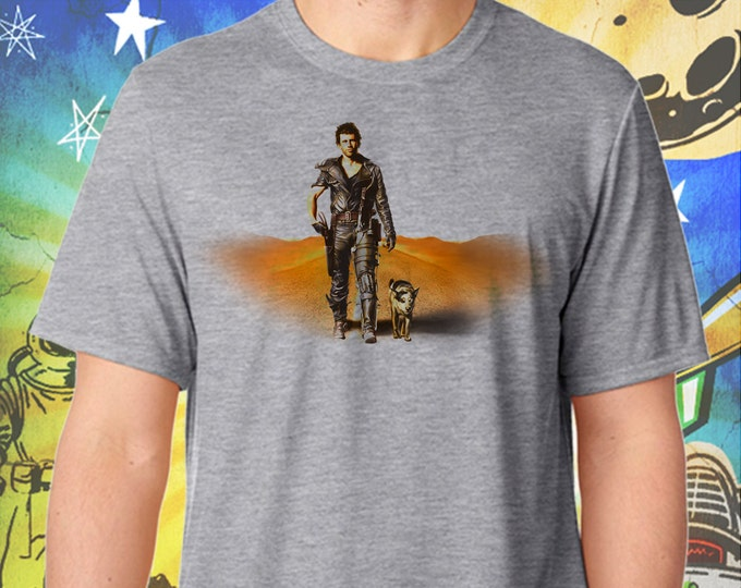 """The Road Warrior / Mad Max 2 / Mel Gibson's Mad Max and """"Dog"""" / Men's Gray Performance T-Shirt"""