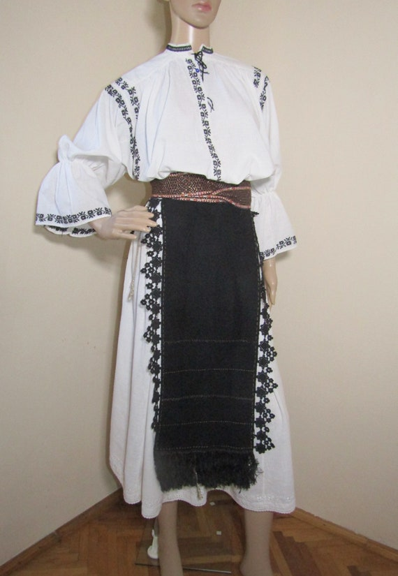 Romanian peasant costume, Romanian ethnic outfit … - image 3