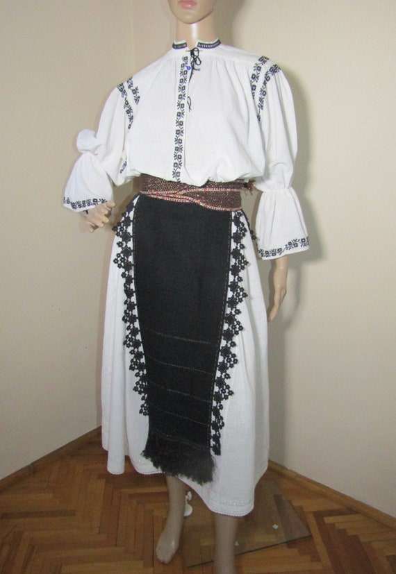Romanian peasant costume, Romanian ethnic outfit … - image 1