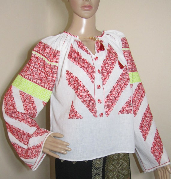 Hand embroidered Romanian ethnic blouse / top   vi