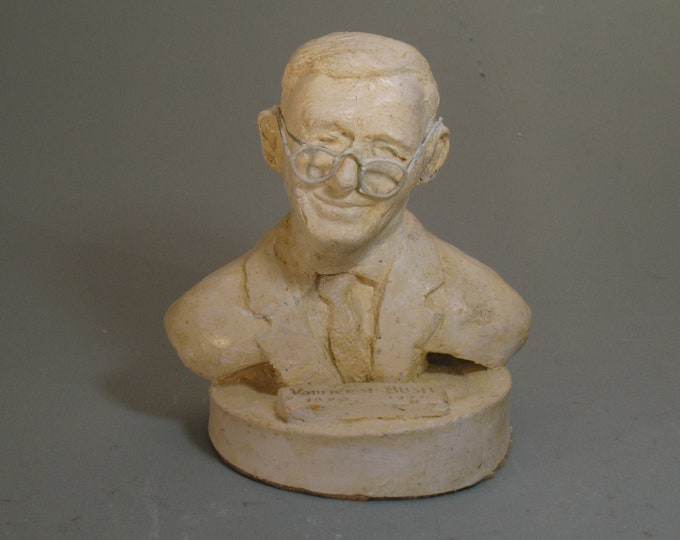 "Vannevar Bush - ""Father of the Internet"""