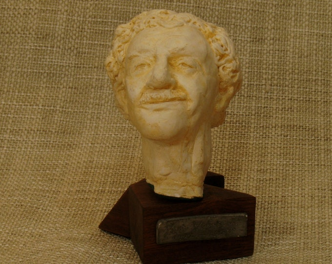 Vonnegut -- Kurt Vonnegut on faux marble (plastic) base
