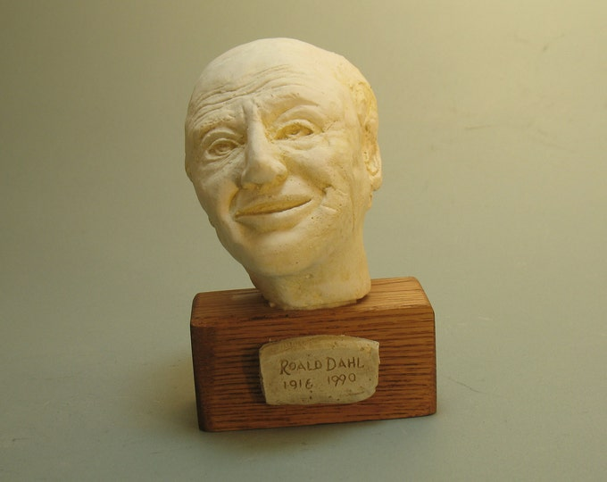 Dahl, Roald Dahl-author, bust - hydrostone antique white