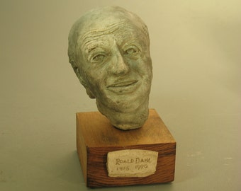 Dahl, Roald Dahl-author, bust - hydrostone bronze patina