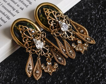 Vintage Goldtone Metal Faceted Black and Gold Crystal Clip-On Earrings