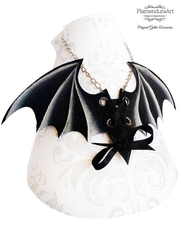 Handmade Gothic Harajuku Fashion W H Naoto Spiderweb Bag: BAT WINGS CORSET Hand-Painted Necklace Gothic Dark