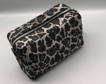 Leopard print- Cosmetic pouch