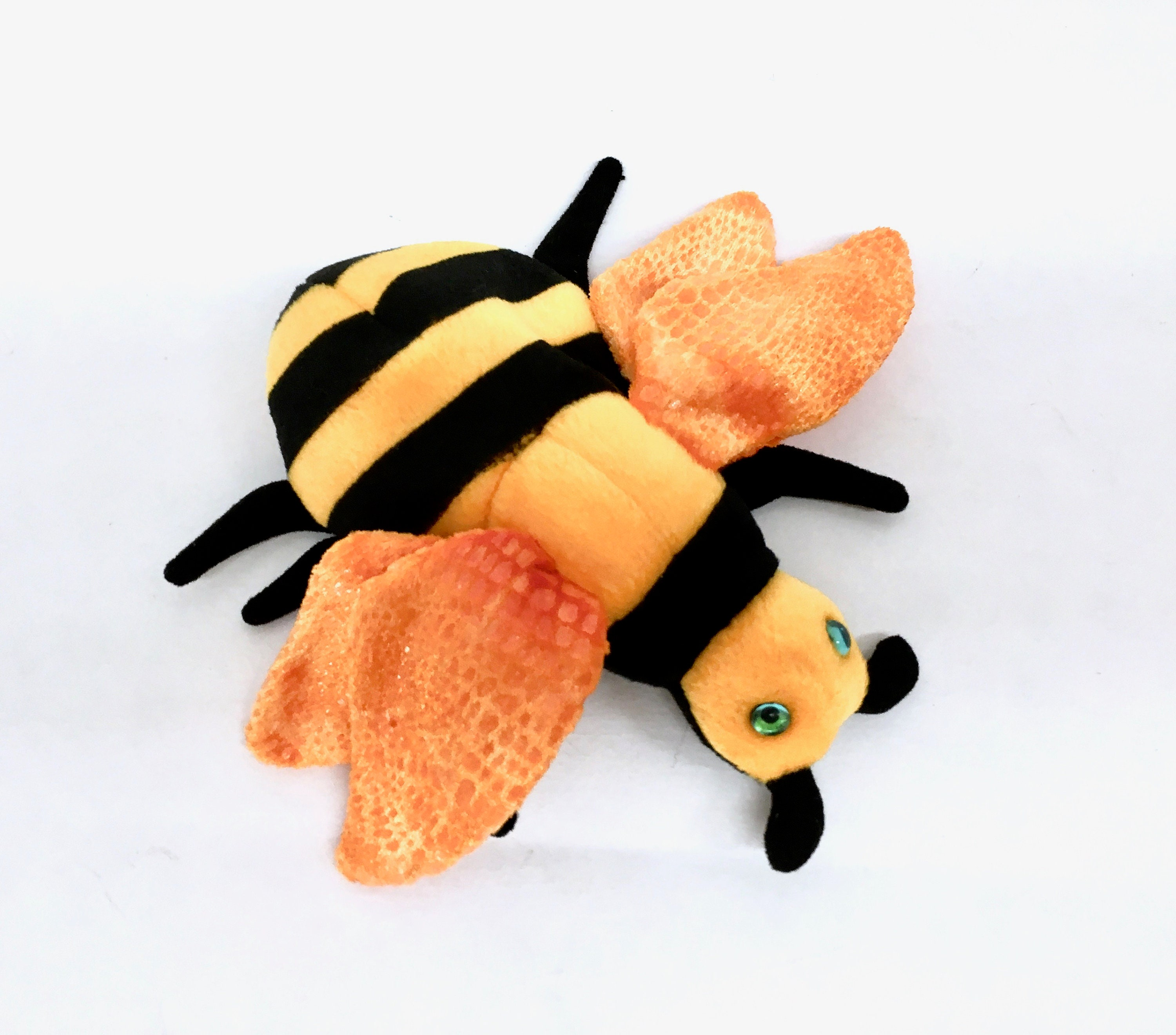 TY BEANIE BABY Buzzie is a Collectible 6 1 2  6546512517d