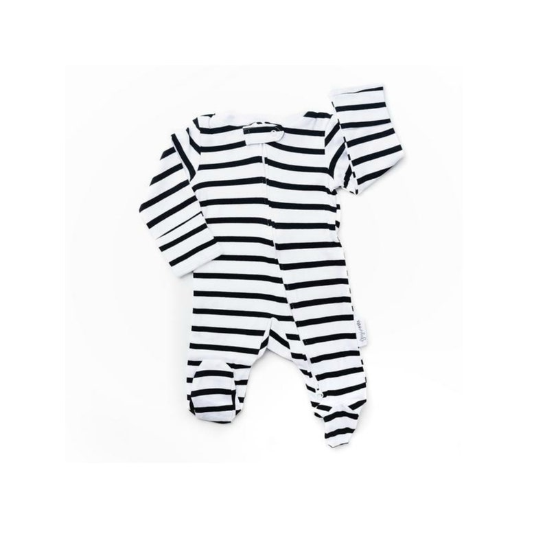Baby newborn sleeper zippered outfit black and white stripe  10f260974