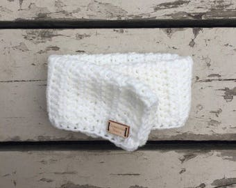 Solid color wool neck warmer cowl crocheted for baby. Clothing and accessories.