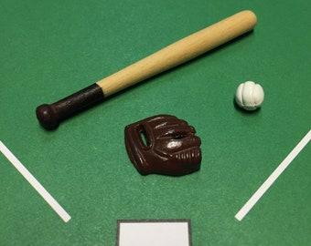 1//12 Dollhouse Miniature Sports Equipment Baseball Kit with Ball Bat Mitt
