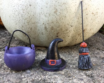 Miniature Dollhouse Witch Hat Broom and Cauldron - Fairy Garden - Miniature Garden - Miniature Witch - Miniature Broom -Halloween Miniatures
