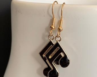 Earrings golden notes