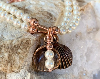 Two Pearls in a Clam Shell Friendship Bracelet Set (Cream)